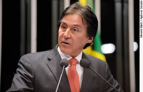 Senador Eunicio Oliveira
