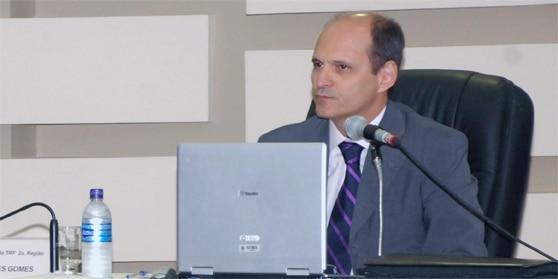 Des. Abel Gomes - Tribunal Regional Federal da 2ª Região