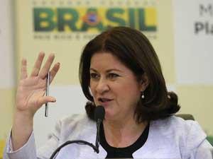 Miriam Belchior, durante coletiva de imprensa em Brasília (Foto: Reuters/Fabio Rodrigues-Pozzebom)