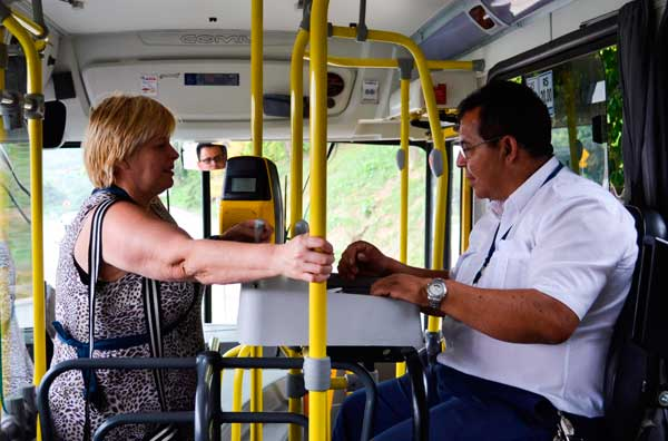 cobrador-de-onibus-motorista-transporte-publico-atividade-especial