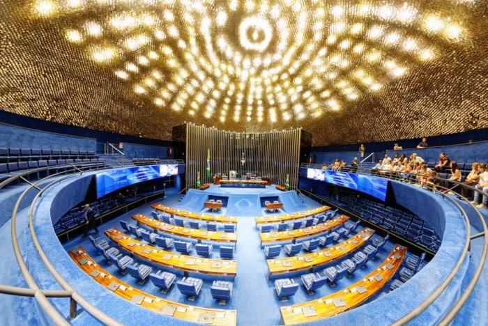 Senado aprova auxílio de R$ 600 para pessoas de baixa renda. BPC e auxílio-doença sofrem mudanças