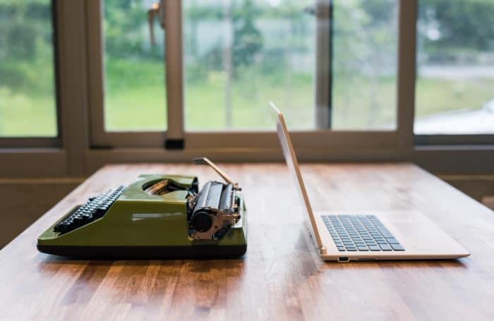 Se tivesse que escrever um livro, você sentaria em qual lado da mesa?