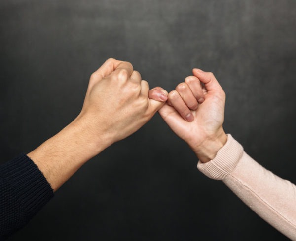 Pensão por morte vitalícia ao cônjuge ou companheiro: casal separado que retoma a união pode aproveitar o tempo do casamento anterior? Entenda