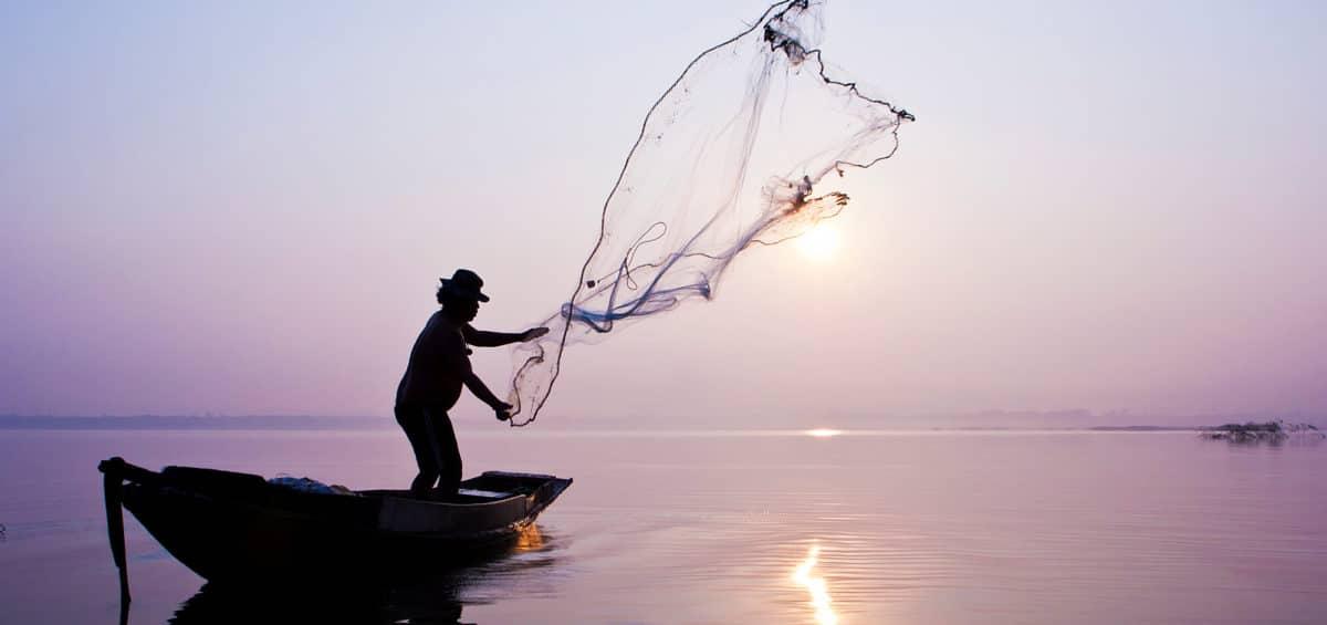 Seguro defeso do pescador artesanal: o que é e quem tem direito