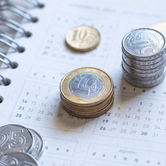 13º SALÁRIO: Governo tem até o dia 15 de abril para liberar o orçamento