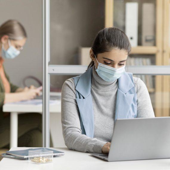 PL 979/20: Empresas não podem demitir funcionários na pandemia