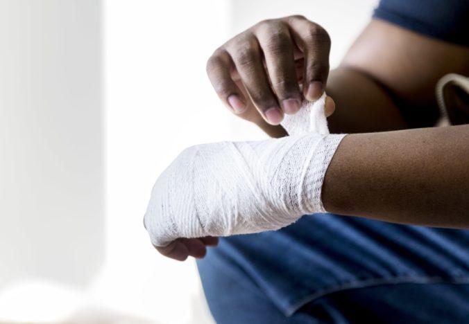 Posso trabalhar e receber auxílio doença ou aposentadoria por invalidez?