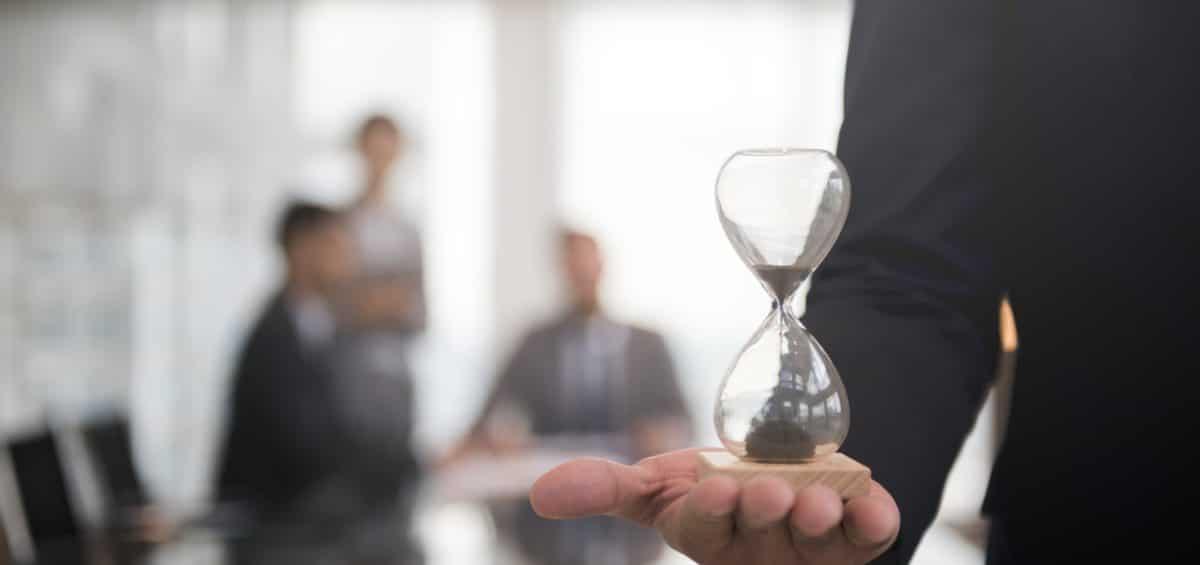 Qual o prazo do INSS para realizar revisão administrativa de benefícios?