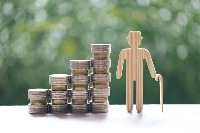 Os pagamentos da primeira parcela ocorrem entre os dias 25 de junho e 5 de julho, para os segurados que recebem o valor de até um salário mínimo.