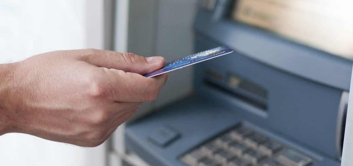 13º SALÁRIO: Pagamentos para benefícios acima de um salário mínimo são liberados