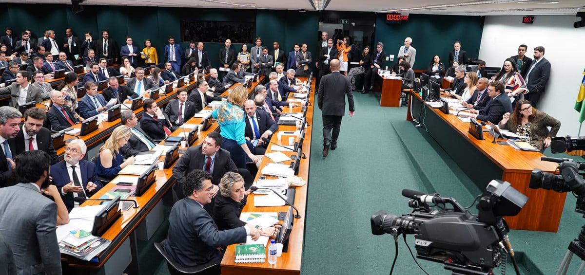 Comissão Especial da Câmara dos Deputados aprova a PEC dos Precatórios com modificações